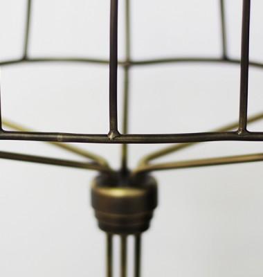 Busto metal detail